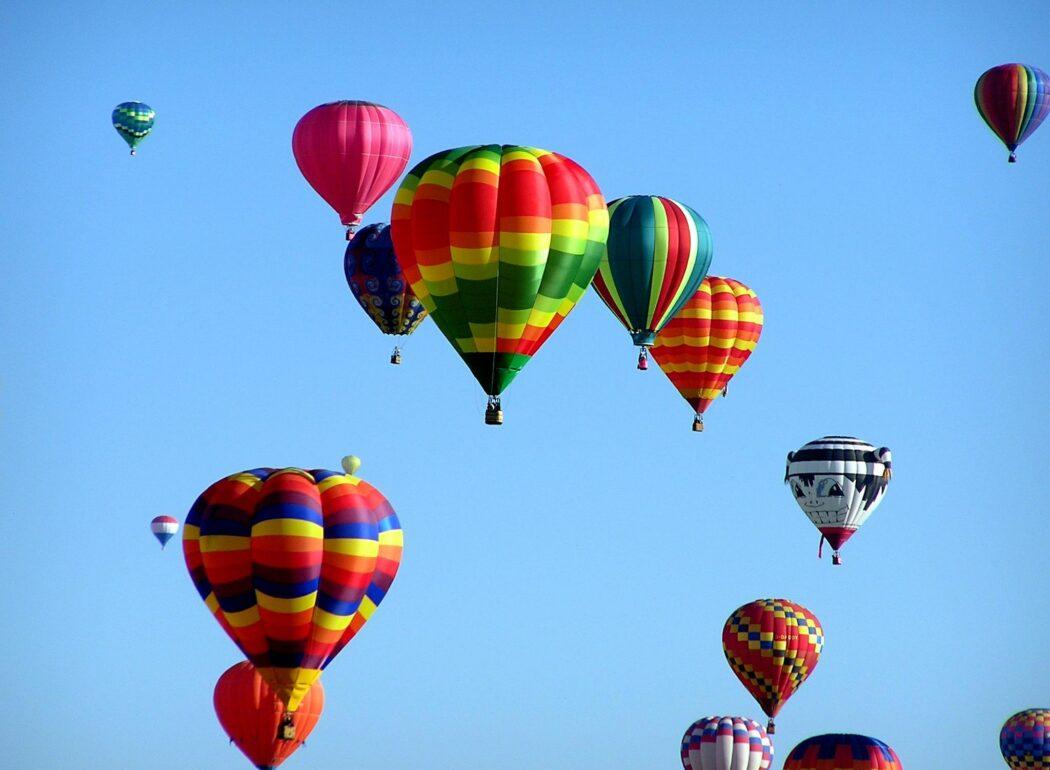 Art Mart hot air balloons